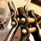Bubblor och skruvar, järn och brons