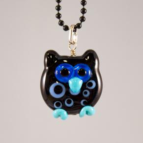 Halsband Punsch-uggla i svart med blå detaljer - Punsch-uggla svart m blå detaljer