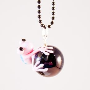 Halsband Groda, rosa på svart kula - Groda rosa på svart