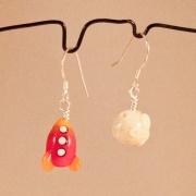 Rymdraket & måne örhängen