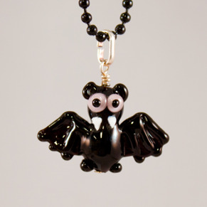 Fladdermus Halsband - Fladdermus rosa ögon