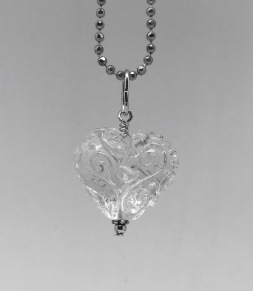 Hjärta med krumelurer, klarglas - Klarglashjärta krumelur