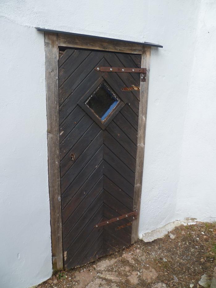 Berömda Södertälje - dörr och tak | Bokabob SE-14