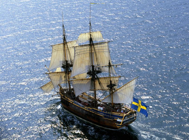 Ostindiefararen Götheborg. Ett drömfartyg för många att få segla med. Hennes 1964 kvadratmeter segel har hittills aldrig seglat The Tall Ships Races. Fartyget är byggt efter 1700-talets originalfartyg i skala 1:1 och  med en LOA på 47 meter och råsegel skulle hon bli en mäktig A-klass i ett TSR!