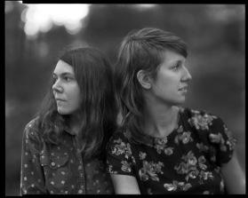 "Folksångerskorna ""Anna & Elisabeth"" (USA) gjorde succé 2018"