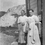 Badersskor utanför varmbadhuset, ca1910