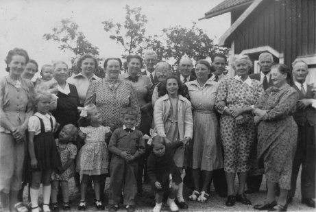 Släktträff på Olesberg. Omkring 1950.