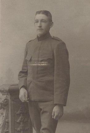 Julius Karlsson i Norstuga. Bilden från den period då han var volontär vid Svea Ingeniörsregemente 195-1907