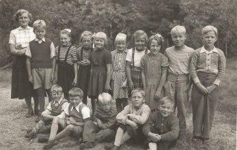 Första och andra klass 1951-1952.