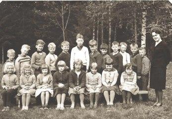 Första och andra klass 1959-1960. Namnuppgifter: bild 7