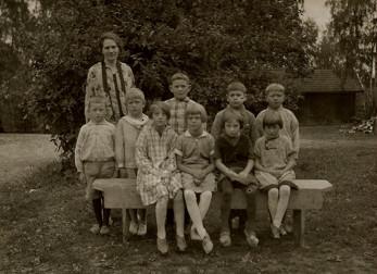 Emmy i första klass - Skönbacka skola. Se namnuppgifter Bild 2.