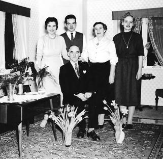 Familjen Johansson i Framstuga. Bilden tagen 1948 då Teodor fyllde 50 år.