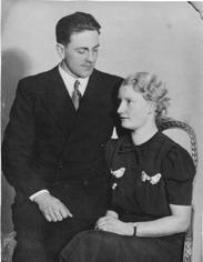 Bröllopsbild på Ragnar och Greta Gustavsson. De gifte sig 31 december 1942.