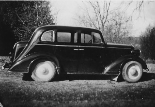 En Opel var Hilding och Elsa Axelssons på Lundaby