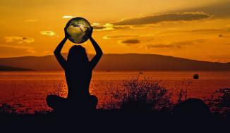 Jag är tacksam för att allt människan behöver göra för att transformeras är att komma ihåg att leva medvetet i vår egen gudomliga ande.