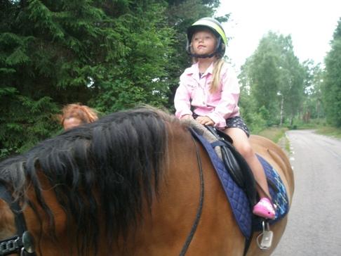 Skallinge Gård turridning med Evelina från Halmstad