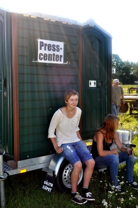Bäst att besöka Presscenter innan fullmäktigemötet! Här va de humor på hög nivå! :)  Pressfotografen och redaktören tog en paus!