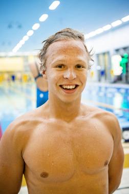 Victor Johansson vann 1500m fritt idag och slog personligt rekord med 11 sekunder