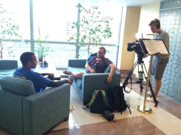 Från pressträffen fredag - när SvT snackar med Simon Sjödin
