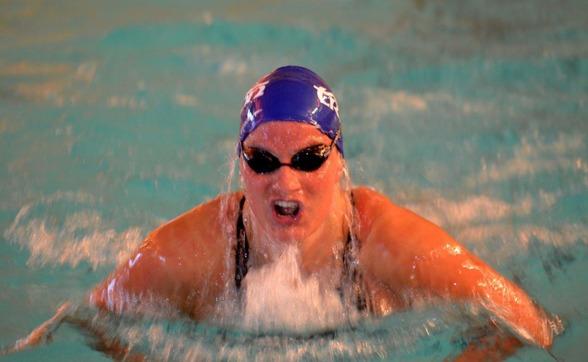 Överraskande seger för Una Finnman på 100m bröstsim  damer