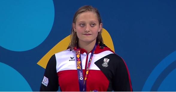 Caroline Pilhatsch  Österrike vann 50m ryggsim. Andra raken guldet för Österrike ikväll