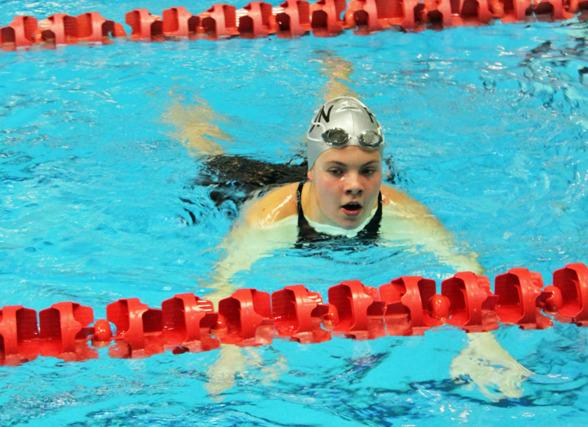 Elin Svärd, Falun, vinnare 200 medley fl 15-16 - i Västerås