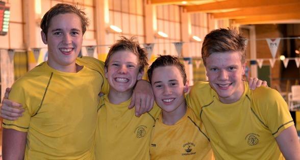 också i grabblagkappen vann Jönköping i hemmabassängen