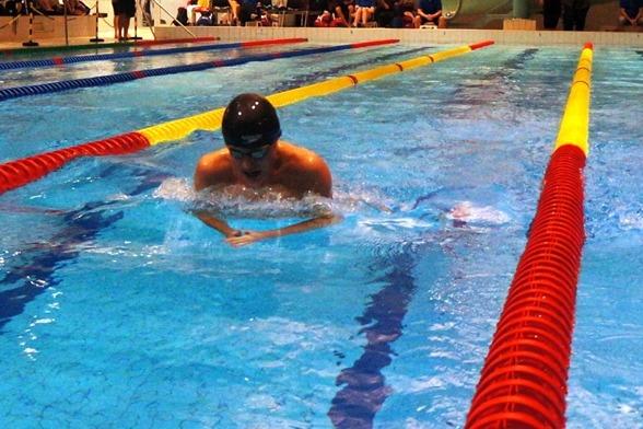 Petter Norén-Vossfeldt simmade 100m bröstsim i Härnösand
