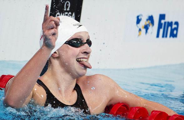Katie Ledecky satte världsrekord redan i försöken av 1500m fritt