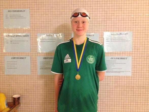 Bröstsimssuveränen i 13 års-klassen - Hanna Brunzell, Västerås.