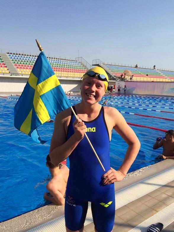 GULD TILL HANNAH BRUNZELL PÅ 100m bröstsim