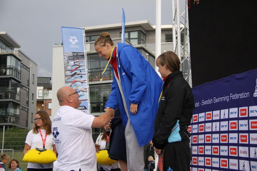 Louise Hansson satte Sum-Sim rekord två gånger på 200m fjäril idag