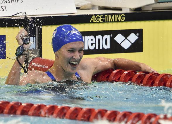 Jaznin Carlin vann två EM-guld. Idag på 400m fritt.