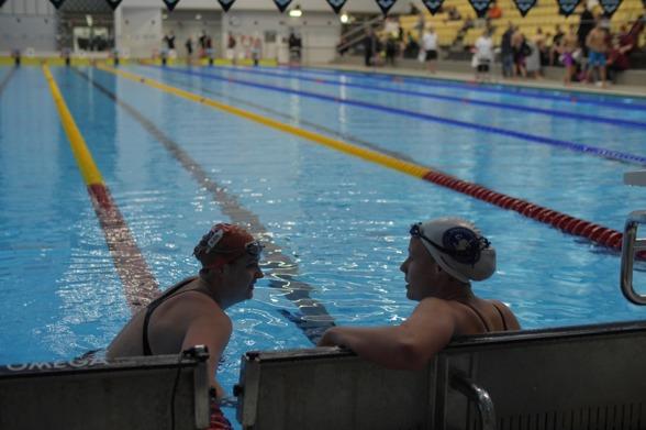 Svendsen och Coleman efter 200m ryggsim