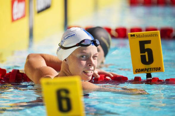 LOuise Hansson vann 200m medley strax före Stina Gardell
