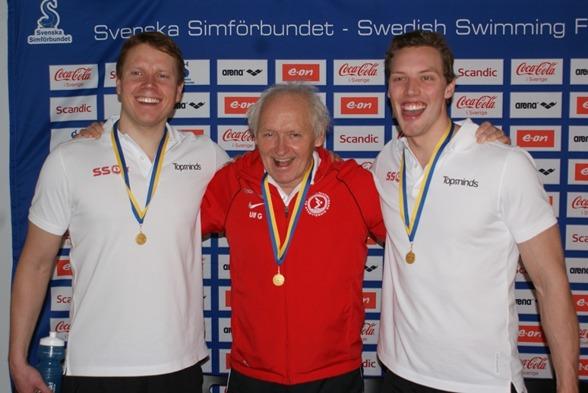 Tre glada gentlemen från SS04 med segraren i 65-69-klassen Ulf Gabrielsson i mitten.