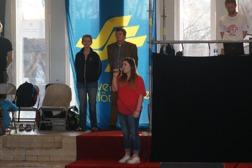 Celine Edholm (tränare Sundsvalls Simsällskap) sjöng nationalsången på invigningen. Invignings tal av Sundsvalls Simsällskaps ordf Marie Lundblom samt kultur och fritids nämndens ordf Reinhold Hellgren