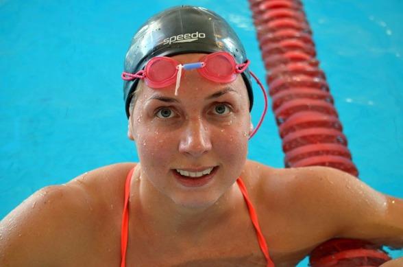 Magdalena Kuras blev tvåa på 50m ryggsim