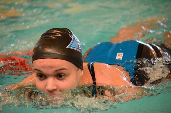 Jaqueline Hippi persade rejält på 200m medley