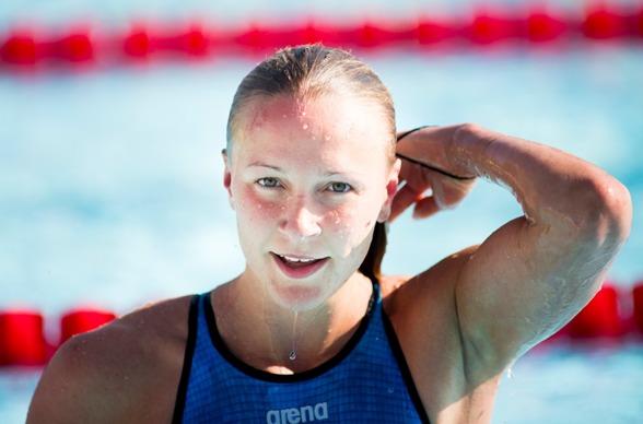Sarah Sjöström vann 50m fritt idag - både för juniorer och seniorer.