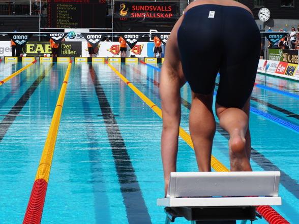 Hemmasimmaren Johannes Skagius snabbast i försöken på 100m bröstsim och segrare på JSM.