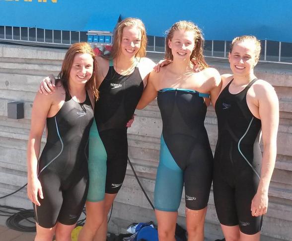 Helsingborgs Simsällskap vann 4x100m medley i juniorrklassen och slog svenskt juniorrekord. Frv Matilda Weiler, Louise Hansson, Sophie Hansson och Ronja Wikström.