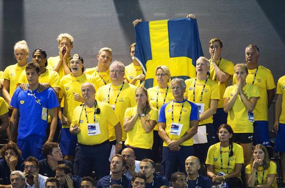 Engagerade svenskar på läktaren!