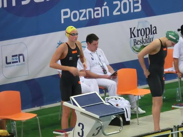 Sophie Hansson hade kvalificerat motsånd i semifinalen på 100m bröstsim. Till väntster OS-ettan Ruta Meilutyte Litauen