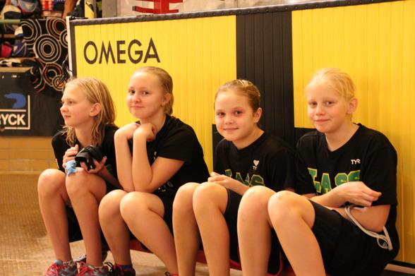 De här LASS-tjejerna har Omega i ryggen. En bra start på dagen.