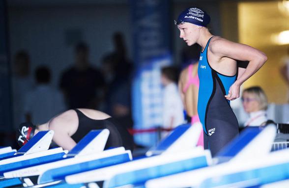 Sarah Sjöström laddar inför 100m fritt som ledde till svenskt rekord och världsårsbästa