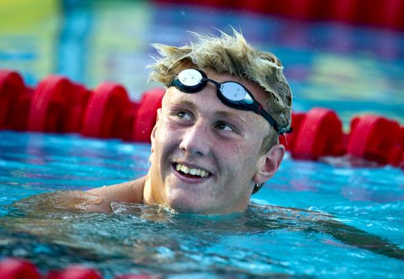 Mycket vass simning av OScar Ekström på 200m fritt och hans första svenska rekord var faktum.