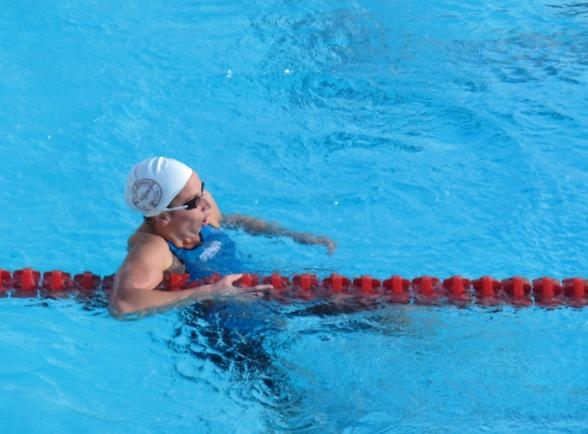 Jennie Johansson - duktigt trött efter segern på 200m bröstsim