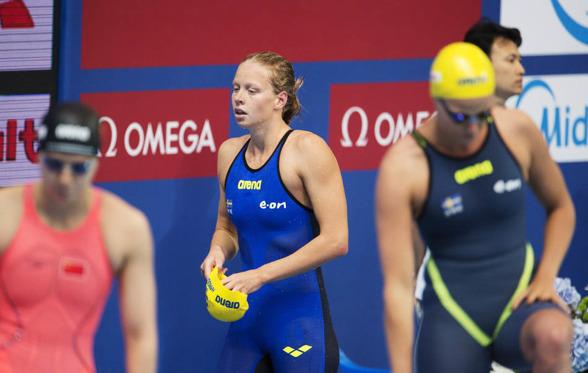 Lopuise Hansson slogs ut i försöken på 200m fritt idag