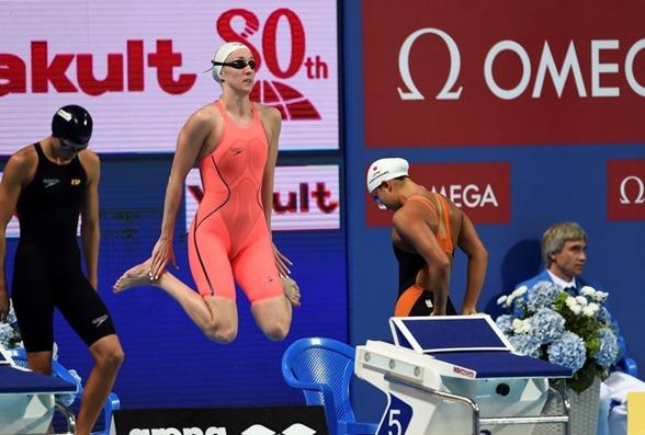 Hilda Luthisdottir, Island fick göra en omsimning på 200m bröstsim - som hon misslyckades med.